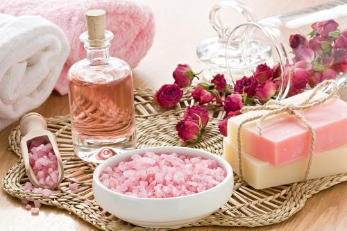 化妆品对于各种皮肤所发挥的功效是什么?